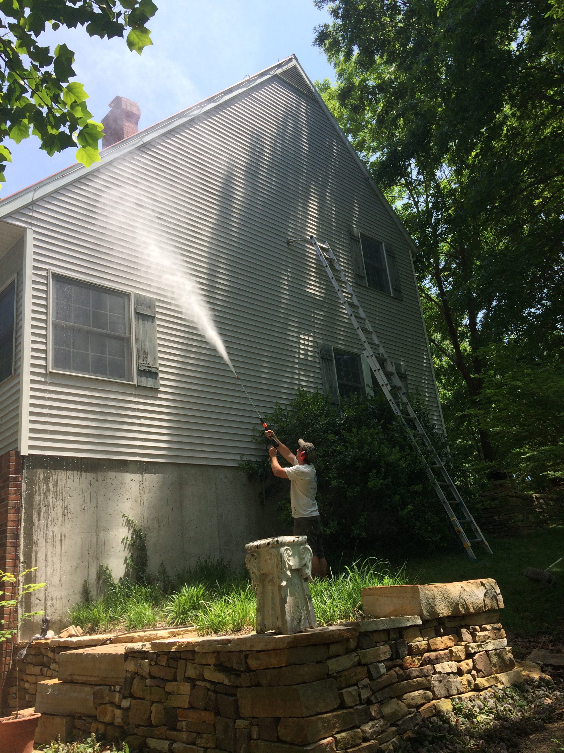 House Exterior Washing In Carbondale Il
