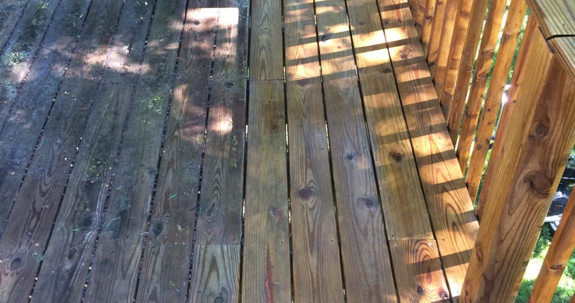 Deck Washing in Carterville, IL